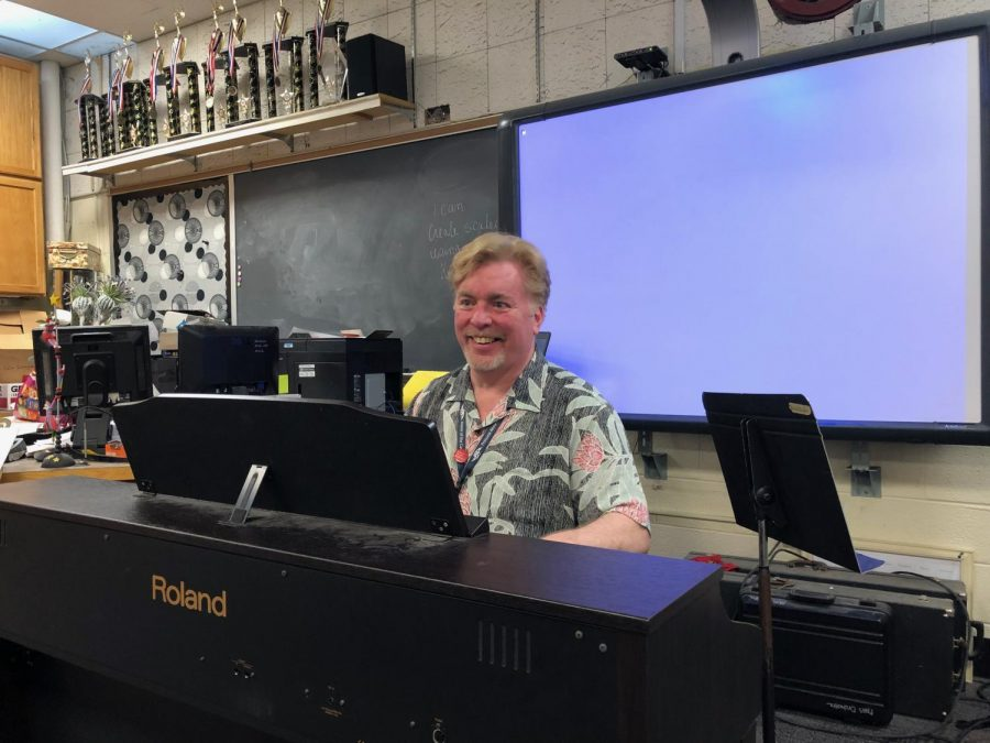 Chorus teacher, David Prescott, plays his final note after 12 years at PA